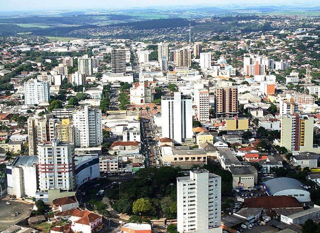 Vista aérea de Apucarana, município da Região Nort ...