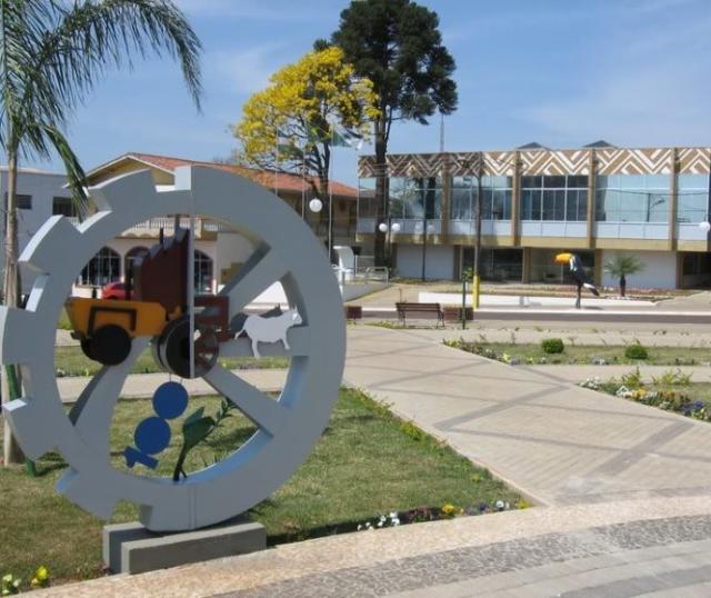 Prefeitura de Clevelândia, município do Sudoeste d ...