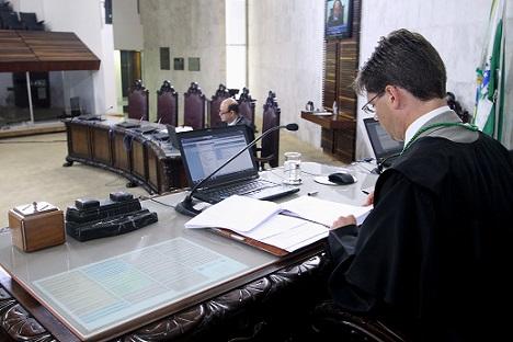 Conselheiro Ivens preside a Primeira Câmara de Jul ...