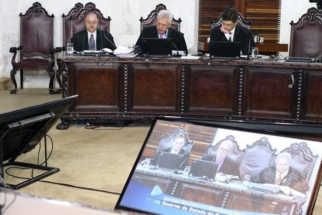 Sessão do Tribunal Pleno do TCE-PR (Foto: Wagner A ...