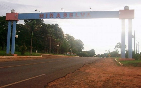 Portal de entrada de Miraselva, município da regiã ...