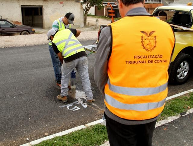 TCE-PR suspende pagamentos de São José dos Pinhais por obras de pavimentação