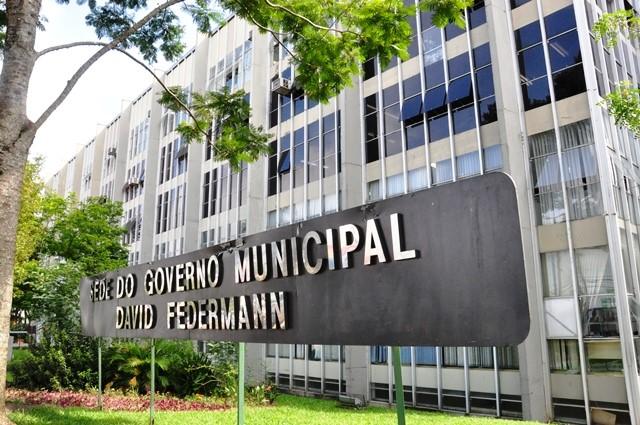 TCE-PR desaprova contas de 2016 de Ponta Grossa e multa prefeito sete vezes