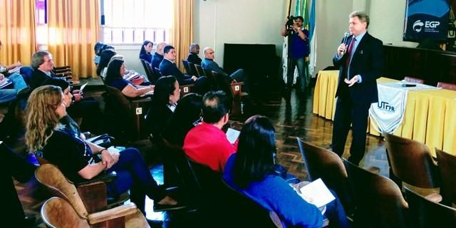 Fórum capacita cidadãos dos Campos Gerais para fiscalizar a gestão pública