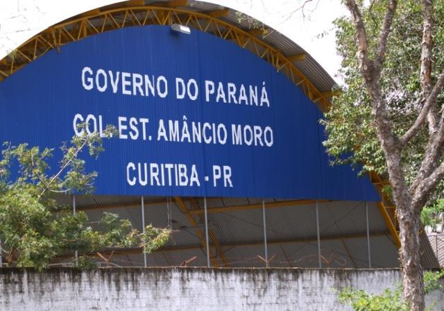 Colégio Estadual Amâncio Moro, localizado no bairr ...