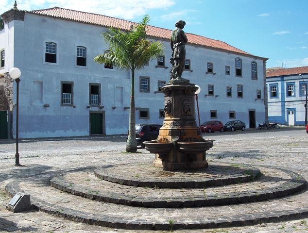 Cautelar suspende licitação de Paranaguá para serviços de limpeza e coleta de lixo
