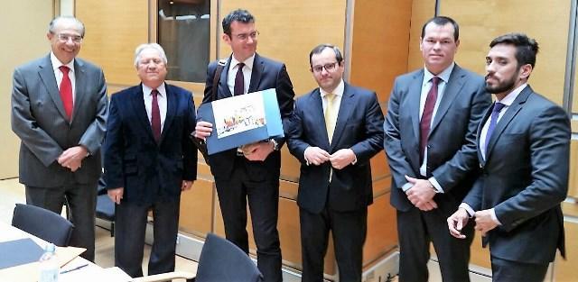 Integração internacional entre órgãos de controle externo é discutida na França