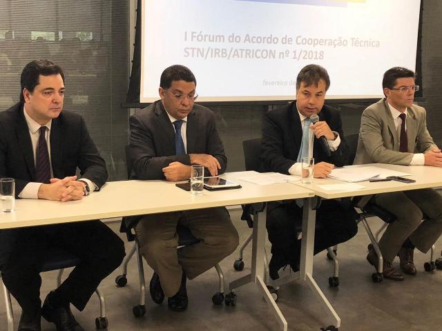 O conselheiro Ivens Linhares representa o TCE-PR n ...